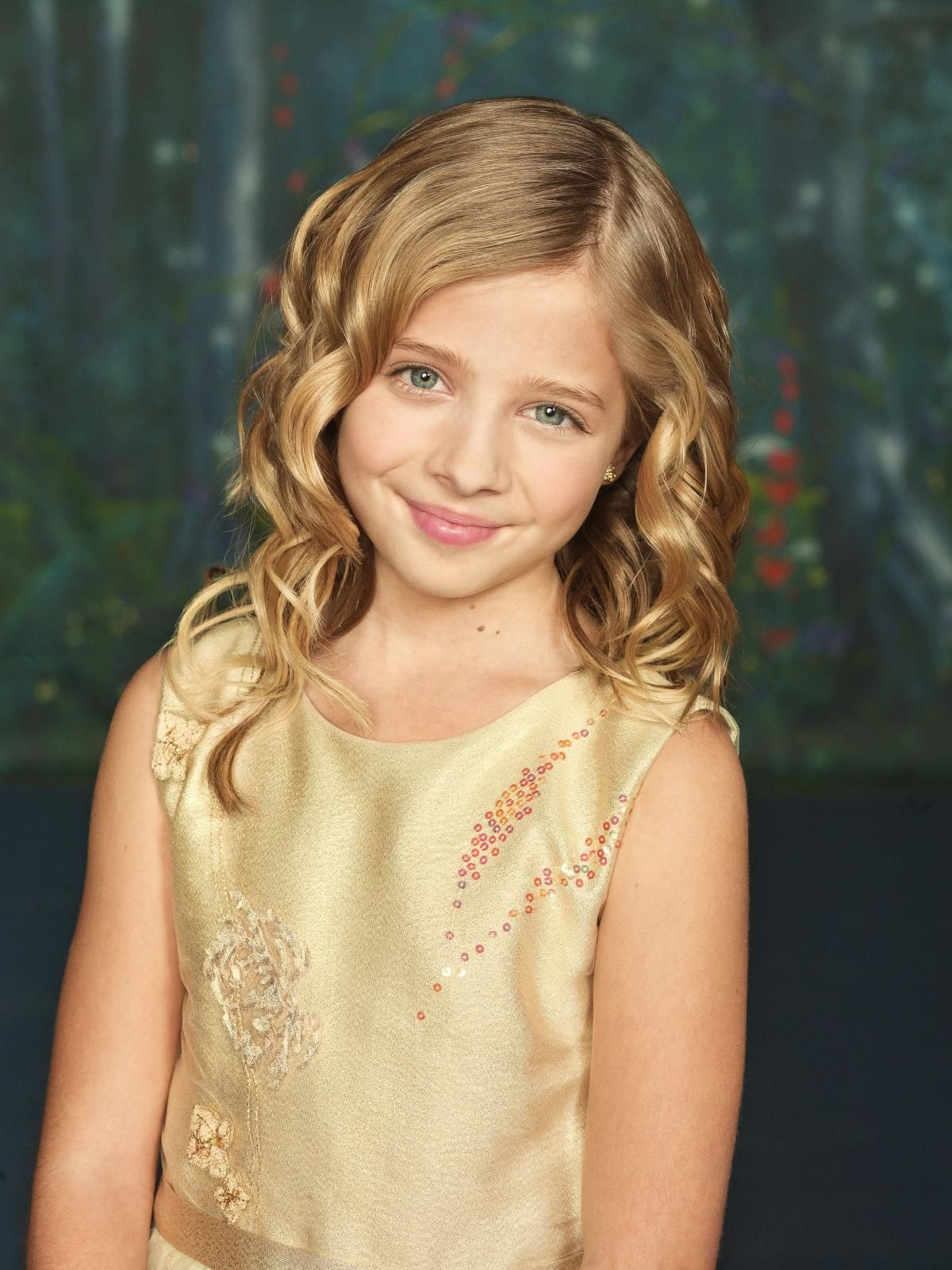 Ls Island Models Jackie Evancho: A very young, sweet girl with super talent. Let's hope she