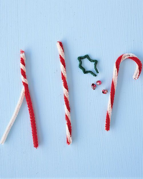 pipe cleaner christmas crafts #christmascrafts #christmas Pipe-Cleaner Candy Cane Ornament