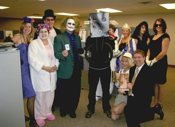 easy group costume ideas for the office halloween costumes