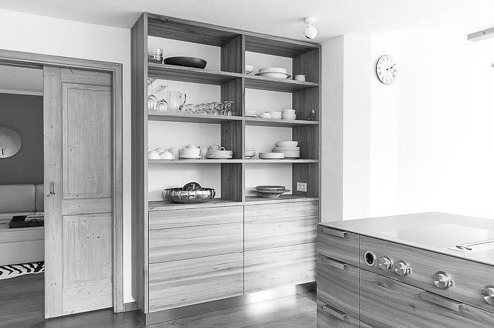 neue Küche im alpinen Raum. Holz Rüster Ulme Arbeitsfläche Stahl ...