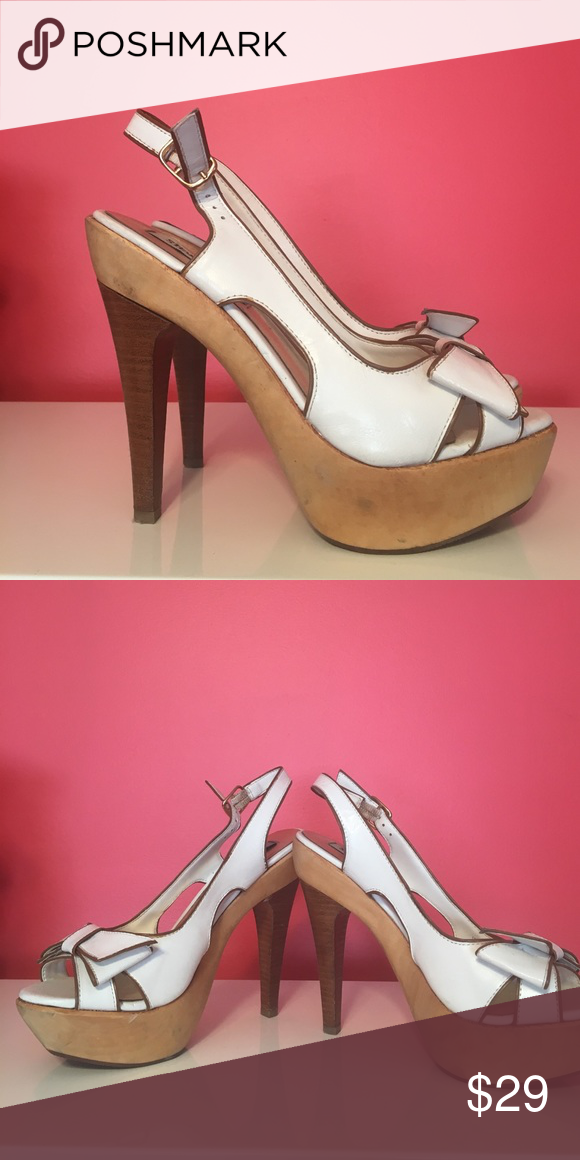 Steve Madden wood & leather platform sandals Great condition! Steve Madden Shoes Heels