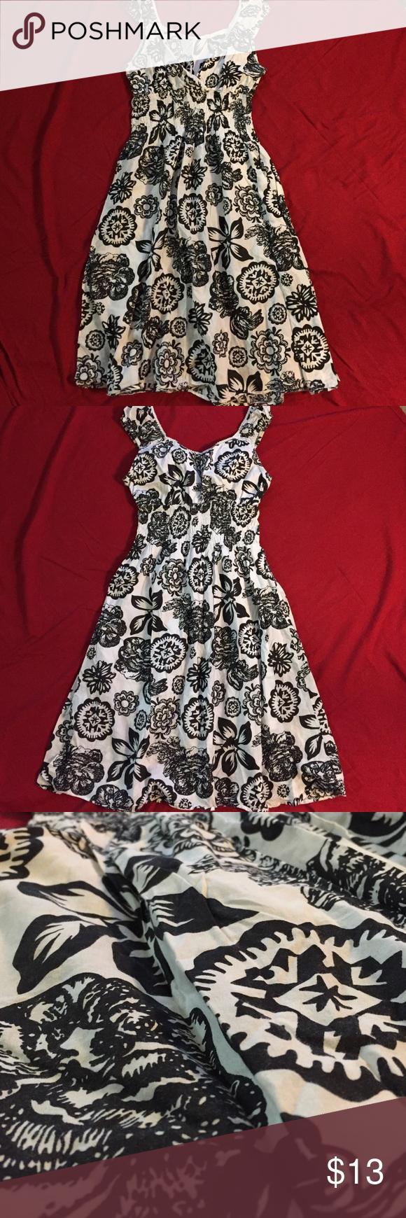 Pretty black and white print mini dress Black and white print dress. So pretty, lightweight. Gently used, great condition. Size Small Dresses Mini