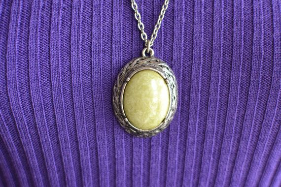 Vintage 1960s 1970s silvertone metal necklace by PenelopeHeavenly