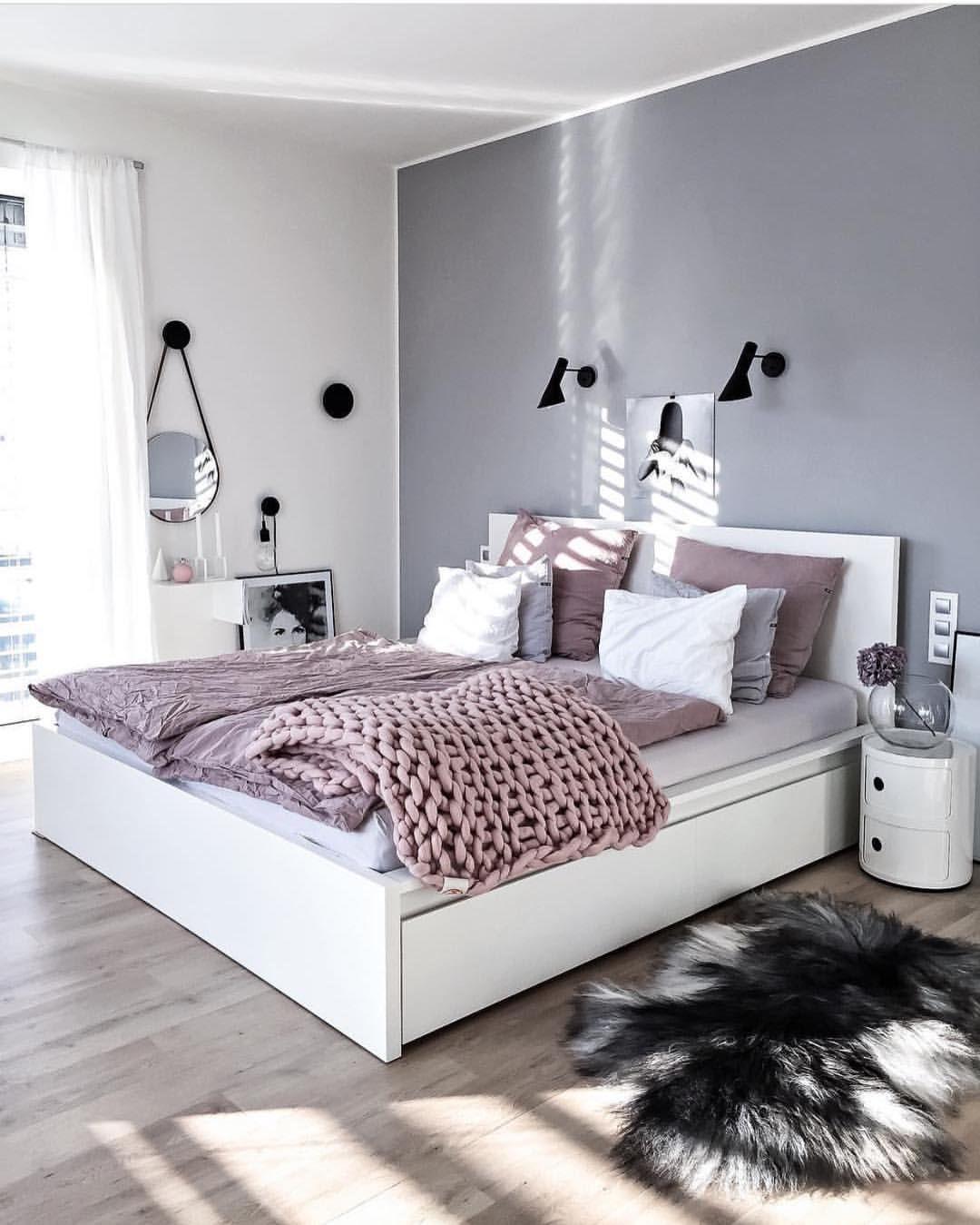 Best Cozy Spalna Biela Siva Staroruzova Gray Master Bedroom 400 x 300