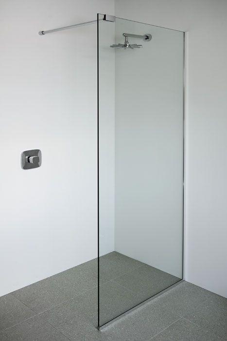 Glass showers glass shower panels glasstrends shower for Glass wall panels bathroom