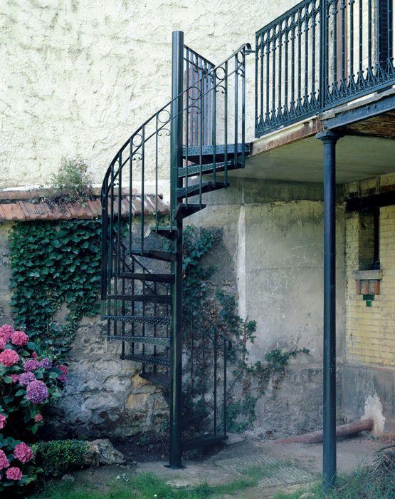 dh34 spir 39 d co larm escalier ext rieur m tallique h lico dal avec rampe en fer forg. Black Bedroom Furniture Sets. Home Design Ideas
