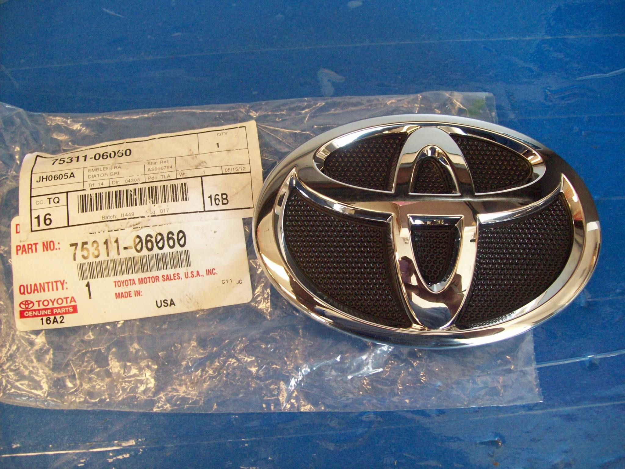 Toyota Camry 2007 2010 Grille Grill Emblem Logo Oem 75311 06060 Brand New