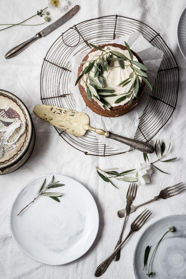 ... apple cinnamon naked cake with meringue maple syrup cream ...