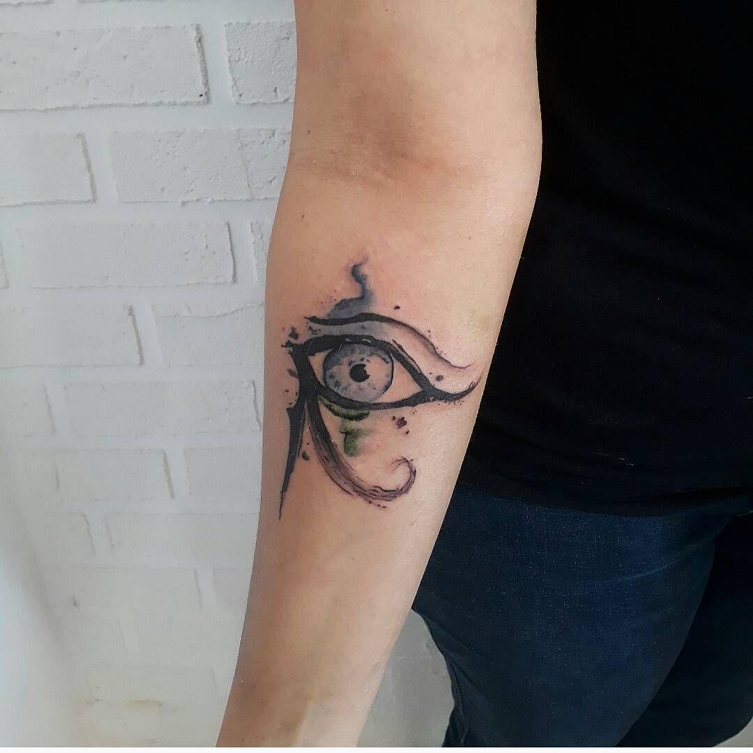 Tatuagem olho de horus conhea seus significados e inspire se tatuagem olho de horus conhea seus significados e inspire se thecheapjerseys Images