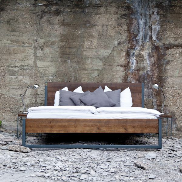 loft vintage industrial bett massivholz und stahl bett pinterest bett schlafzimmer und holz. Black Bedroom Furniture Sets. Home Design Ideas