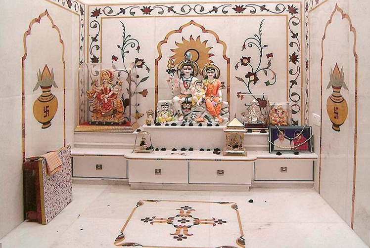 Merveilleux An Elegant Puja Room With Marble Floor And Hanging Bells And Idols | Home  Is Where The ♥ Is... | Pinterest | Puja Room, Marble Floor And Idol