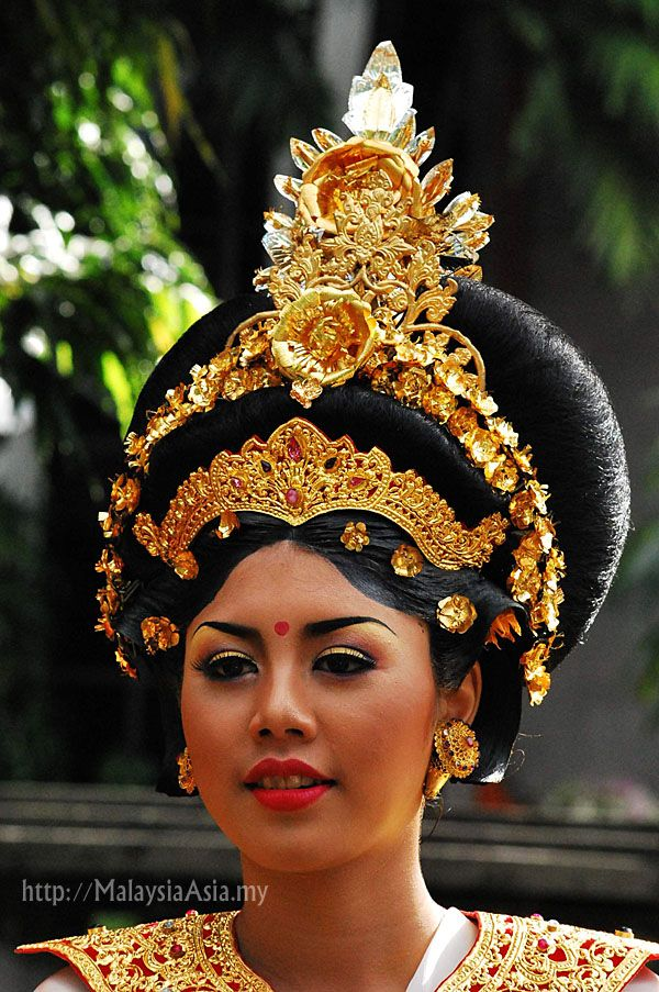 Beautiful Traditional Balinese Hairdo Culture Indonesia