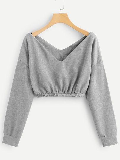 Magasinez en ligne Sweat-shirt à col en V. SheIn propose un sweat court à col en V et plus …   – Clothes