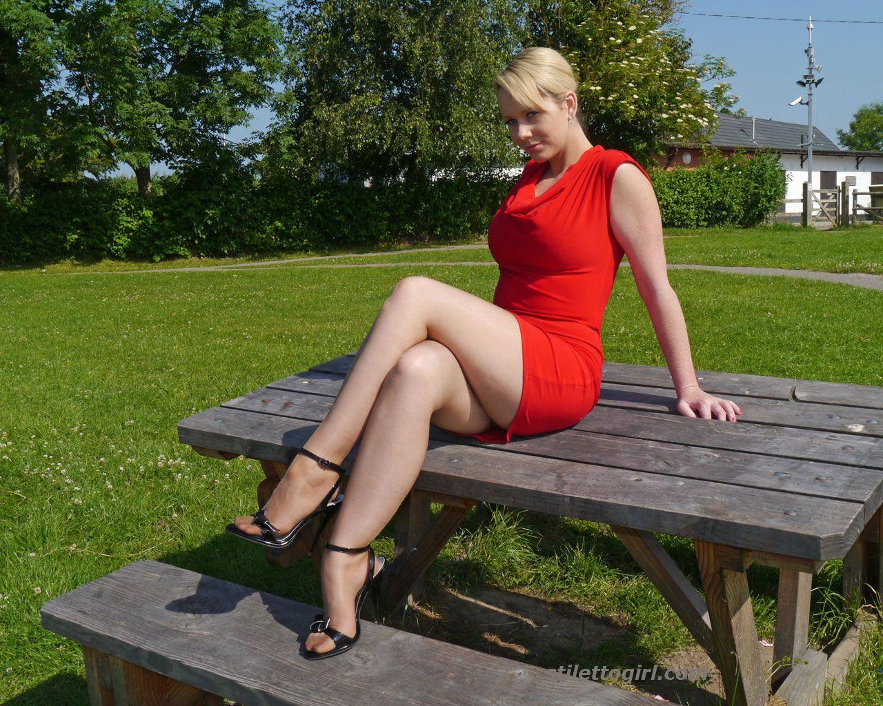 Красивый минет красивые ножки зрелых дам