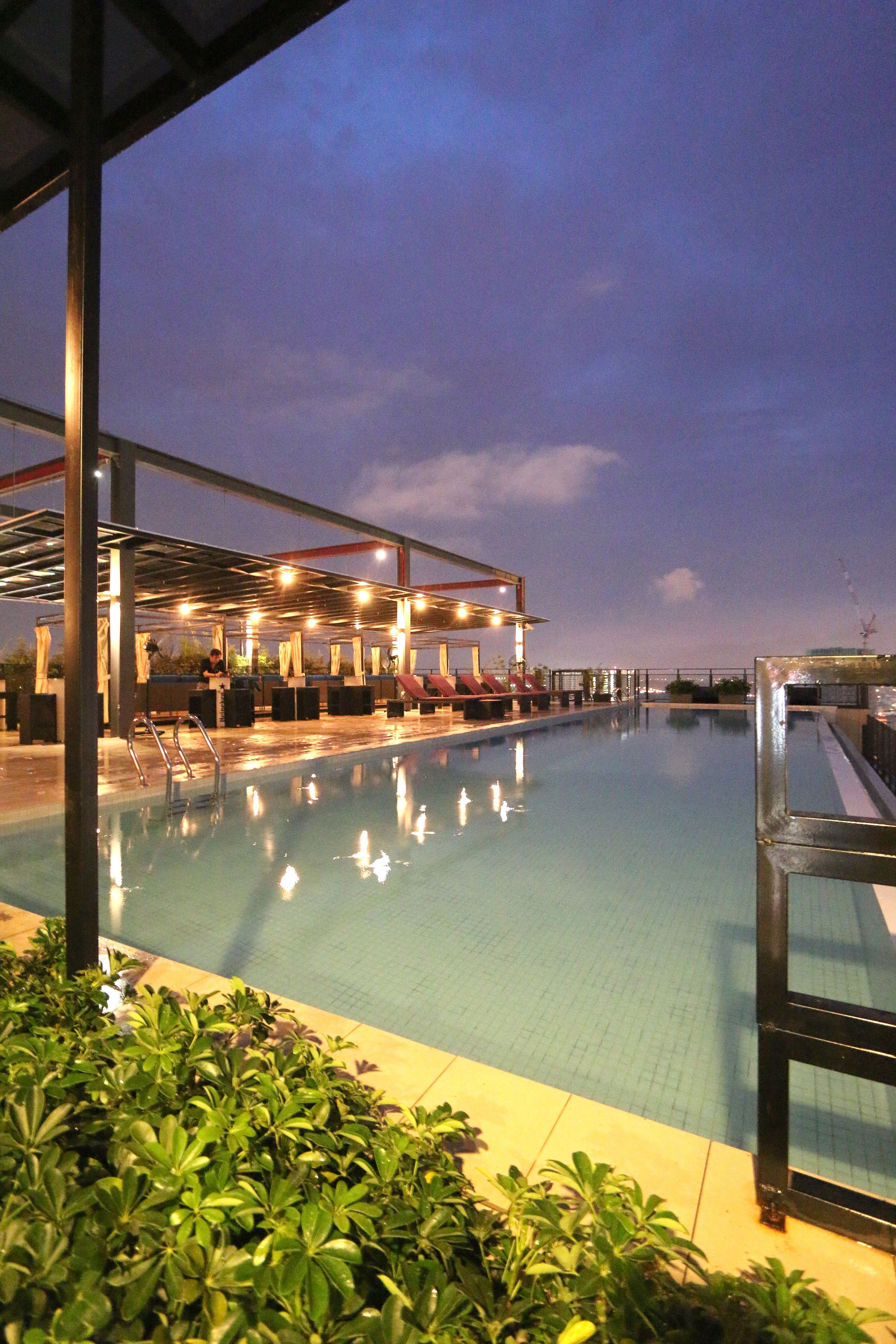 Weil Hotel Ipoh Perak My Pool Side Lounge Night Landscape