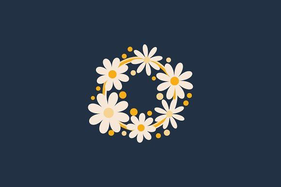 Daisy 2 Logo Flat Logo Design Logo Inspiration Photography Flower Logo