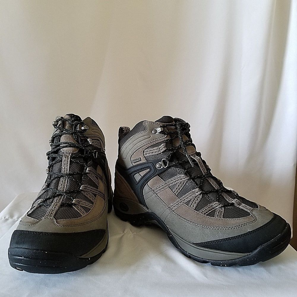 45106bd402d Chaco Men's Holbuck Waterproof Boot 10.5 M Hiking Gray Brown Bungee ...