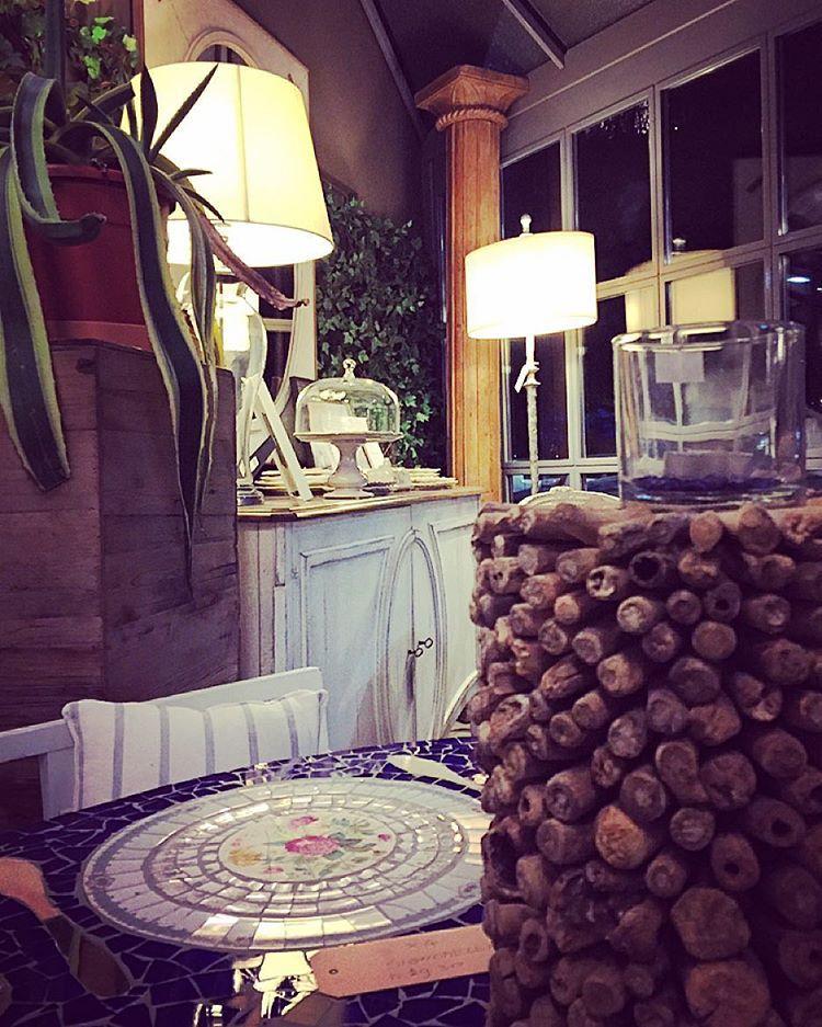 #ValterPisati e la #PasticceriaClivati hanno dato vita ad un innovativo connubio grazie allapertura di #InteriorDesignCafè primo locale allinterno di un negozio di #arredamento. Lidea è regalare al momento del convivio quale una #pausacaffè o un #aperitivo quei connotati sensoriali che rendono lesperienza un #momentounico di #relax e #confort. ... #interiordesign #arredamento #design #designers  #Milan #city #citylife #ig_Milan #igersmilano #milanodavedere #pic #picoftheday #instapic…