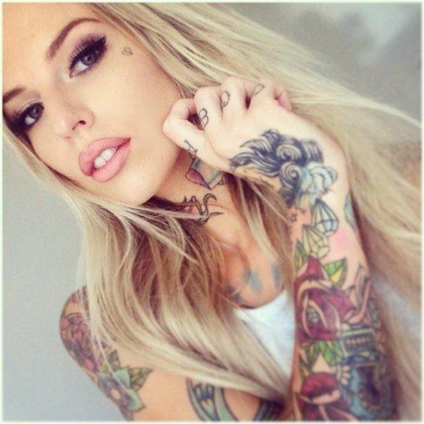 Sexy tattoo selfies