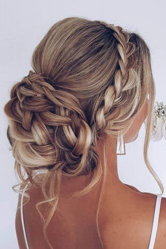 Essential Guide to Wedding Hairstyles For Long Hair | Wedding Forward -   12 homecoming hairstyles Updo ideas