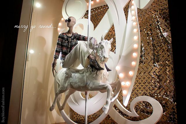 Window displays: LOUIS VUITTON, New Bond Street Maison (February 2012)