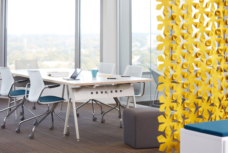 Providenciando as melhores soluções para seu #escritorio desde 1991! #Horsepower by @Knoll_Inc na @EscinterMS  #designthinking #workplace