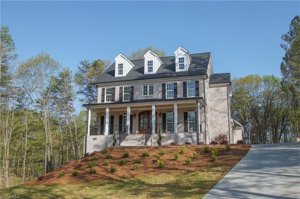 Beautiful Brick Home For Sale In Kernersville Nc Northcarolinahomes Brickhome Southernliving Homesfors Beautiful Homes House Styles North Carolina Homes