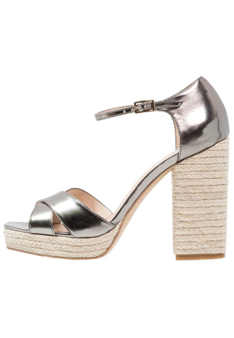 85aa6147 Consigue este tipo de sandalias de piel de ANDRÉ ahora! Haz clic ...