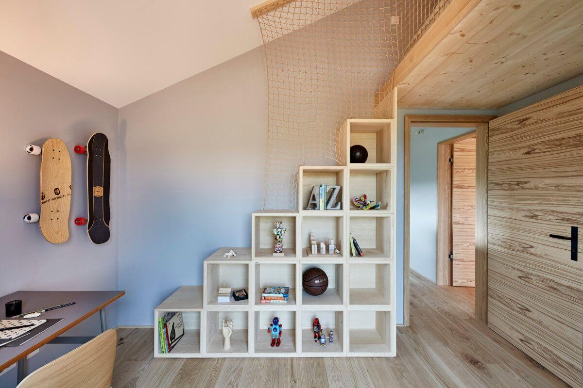 Kinderzimmer Mit Hochbett Treppe Als Regal Nutzbar