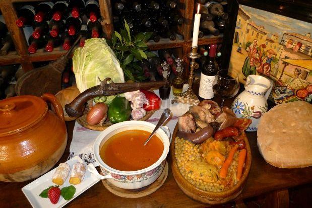 Hostería Camino en Luyego de Somoza (León) - 987 60 17 57 - un hotel-casa rural con un restaurante especializado en cocido maragato, setas y otras exquisiteces de la zona!!! Un trato inmejorable