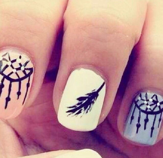 cute diy feather/dream catcher nails