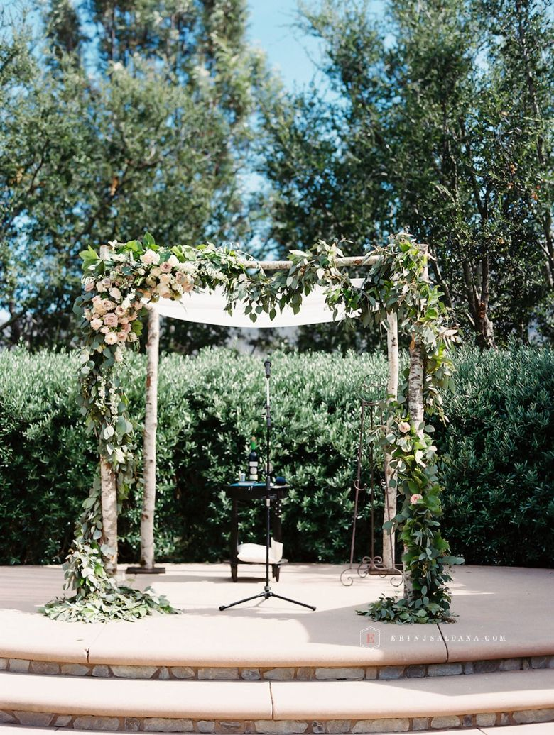 I can see a combo of this decor from this chuppah and the other one ...