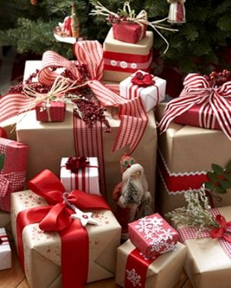 Creative Christmas gift wrapping ideas will help make your holiday gift  exchange a memorable one. Give your gifts a special touch with these  festive ideas. - Pin By Stephanie Forcier On Holiday Decor Pinterest Christmas