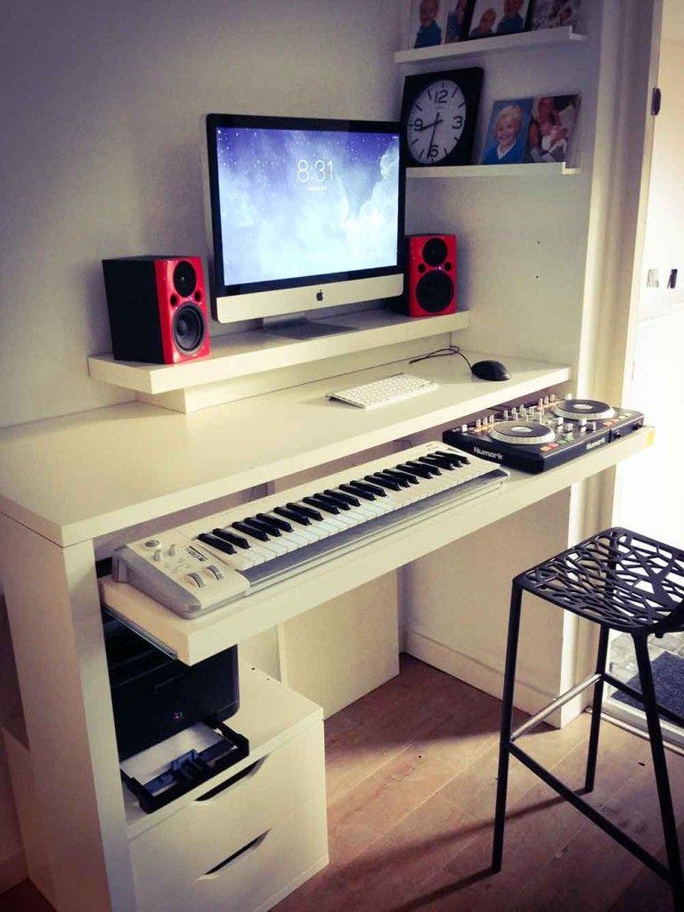 Standing work desk and dj booth meuble dj studios de - Meuble de studio d enregistrement ...