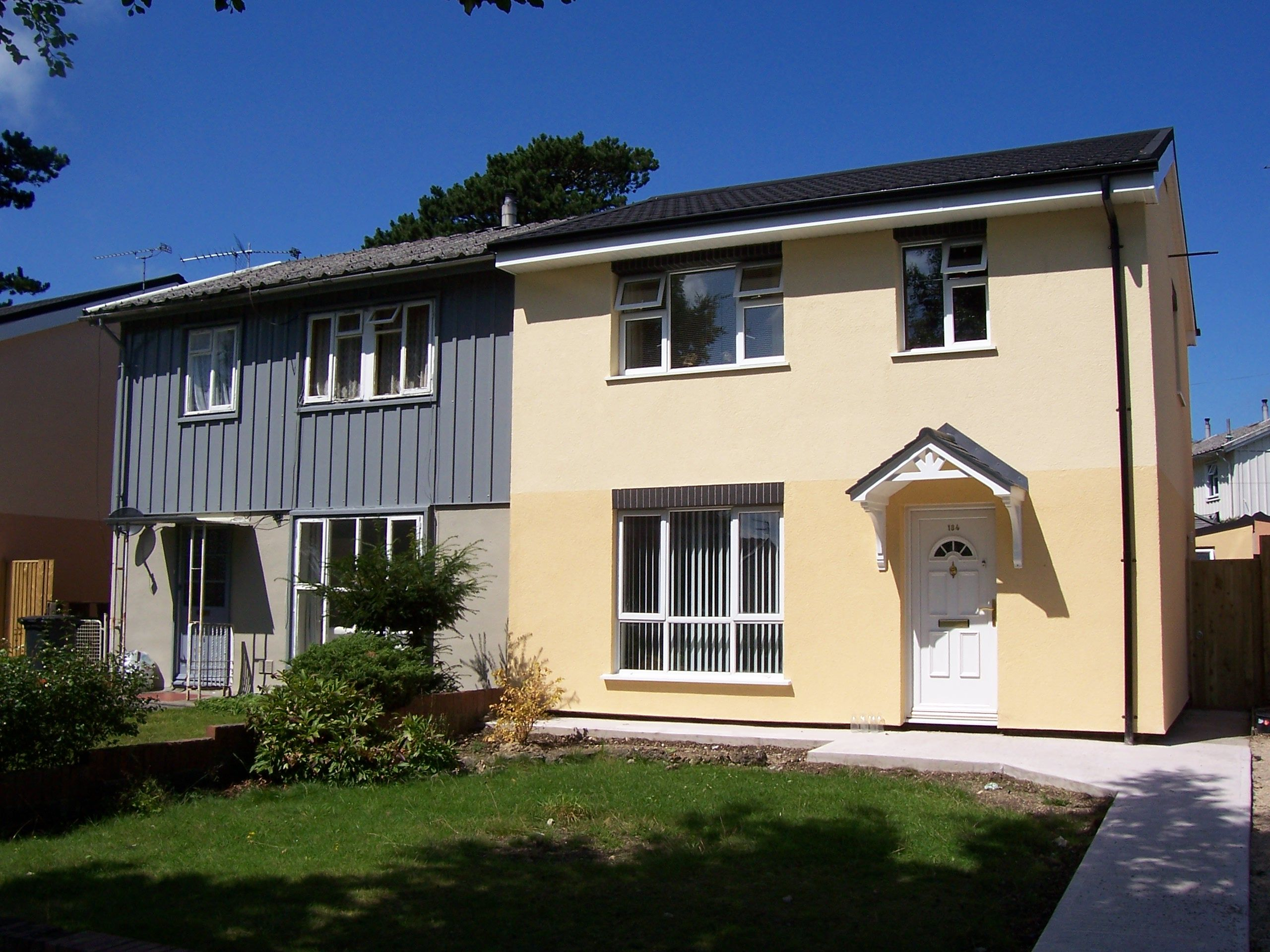 Externalwallinsulation On A Bisf Property In Cardiff South Wales Www Energysavinggrants Org S External Wall Insulation Wall Insulation External Insulation