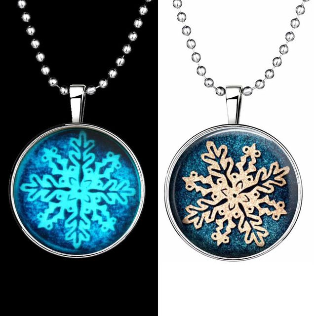Glow in the Dark Cabochon Resin Snowflake Pendant Necklace Charm Decoration for Women 2016 Jewelry Accessory