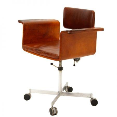 Jørgen Rasmussen; Chromed Metal and Leather Desk Chair for Fritz Hansen, 1960s.