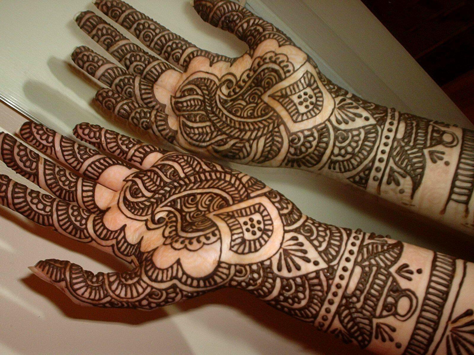 Attractive dulhan henna mehndi design for full hand - Beautiful Henna Designs