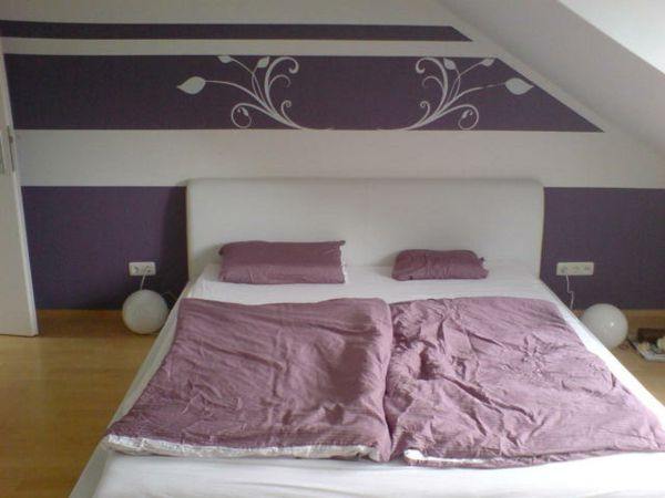 Wohnzimmer Ideen Wandgestaltung Lila Wandgestaltung Mit ...