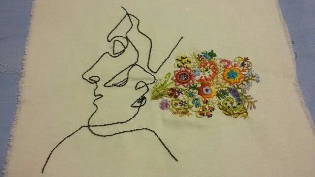 Alcova. Bordado e flores de Lívia Mesquita. Linhas: Quibe.