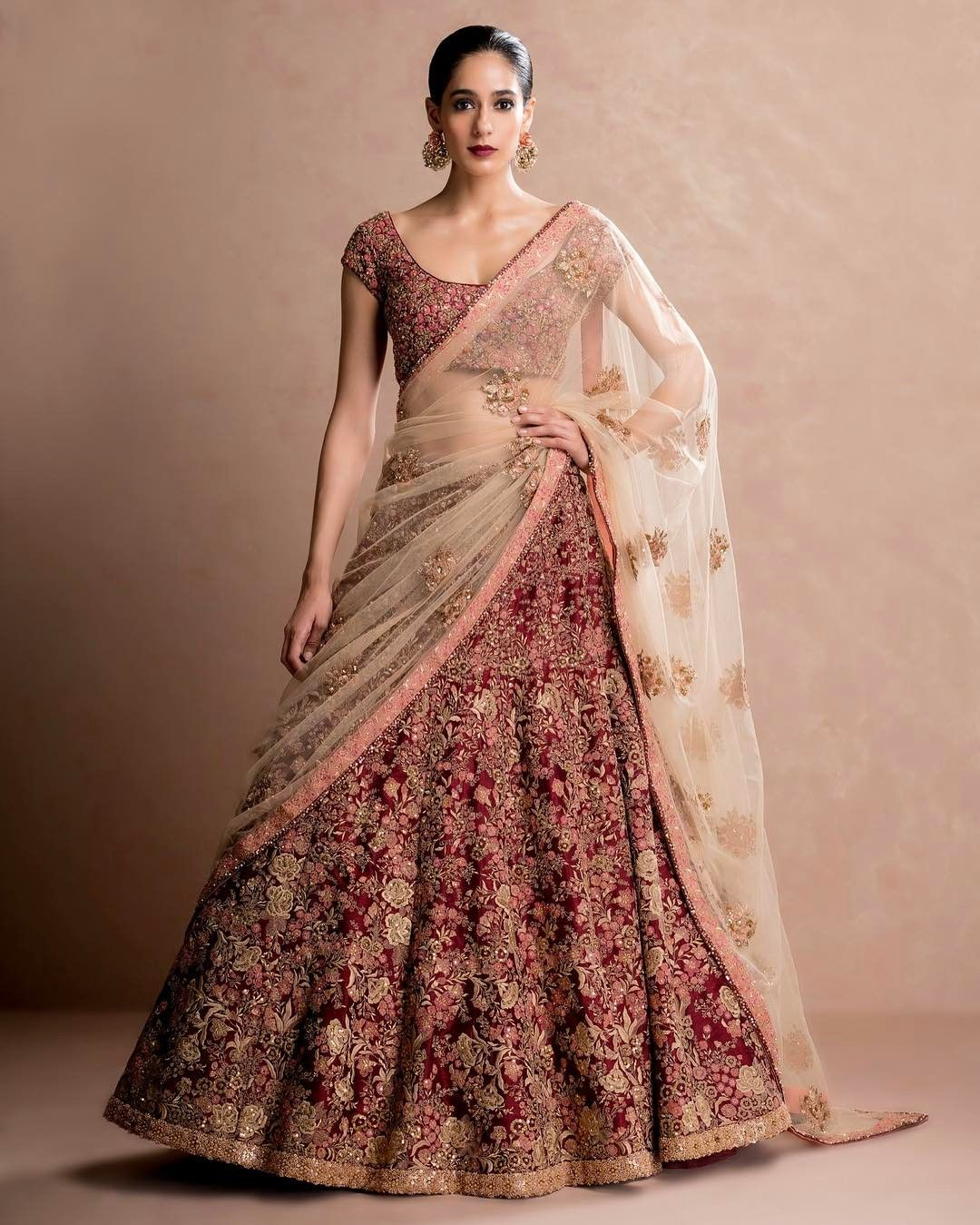 Pakistani Bridal Lehengas: Pin By Priyanka Raina On Wedding Dresses
