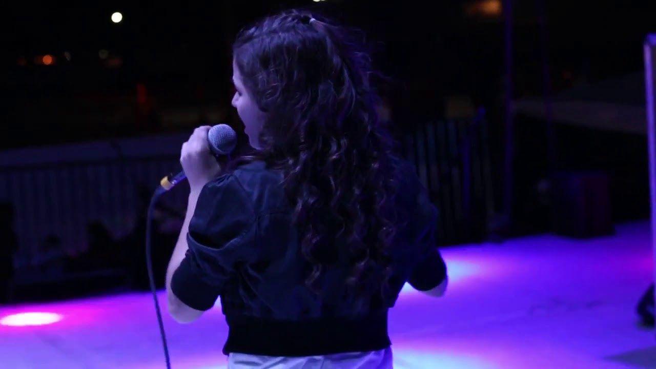 La Chancla Cover Fatima Campo Youtube Concert Youtube Fatima