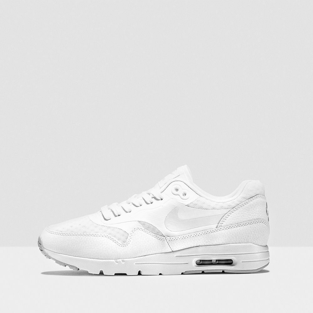 Perfekt für den Sommer!! Weiße Sneaker passen fast zu allem
