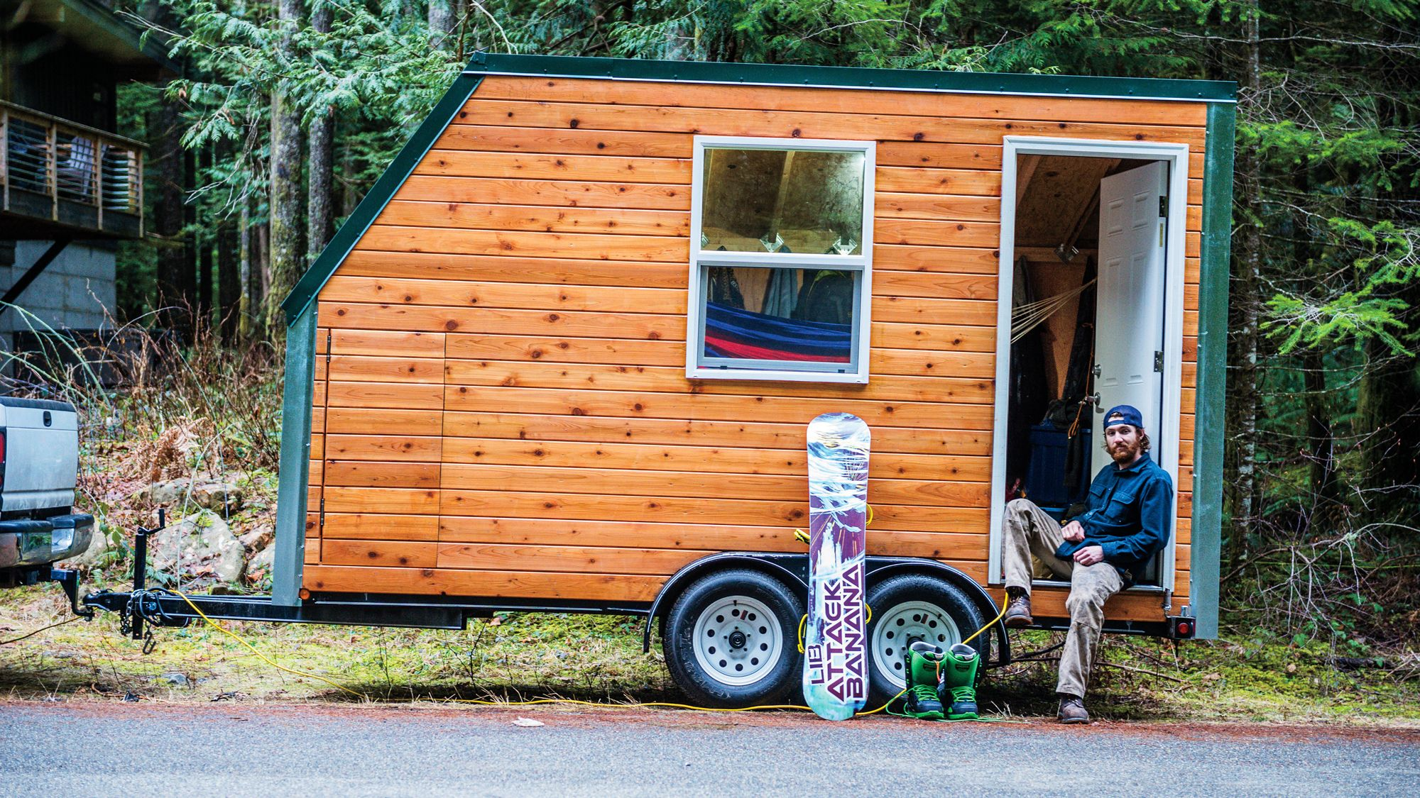 Adventure Mobiles Little House On Wheels Step Inside Andy Bergin Sperry S Mobile Mini Snowboard Home