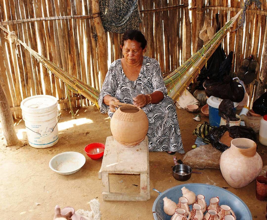 Peque as hamacas jam a son usadas por los wayuu como for Sillas comodas para trabajar