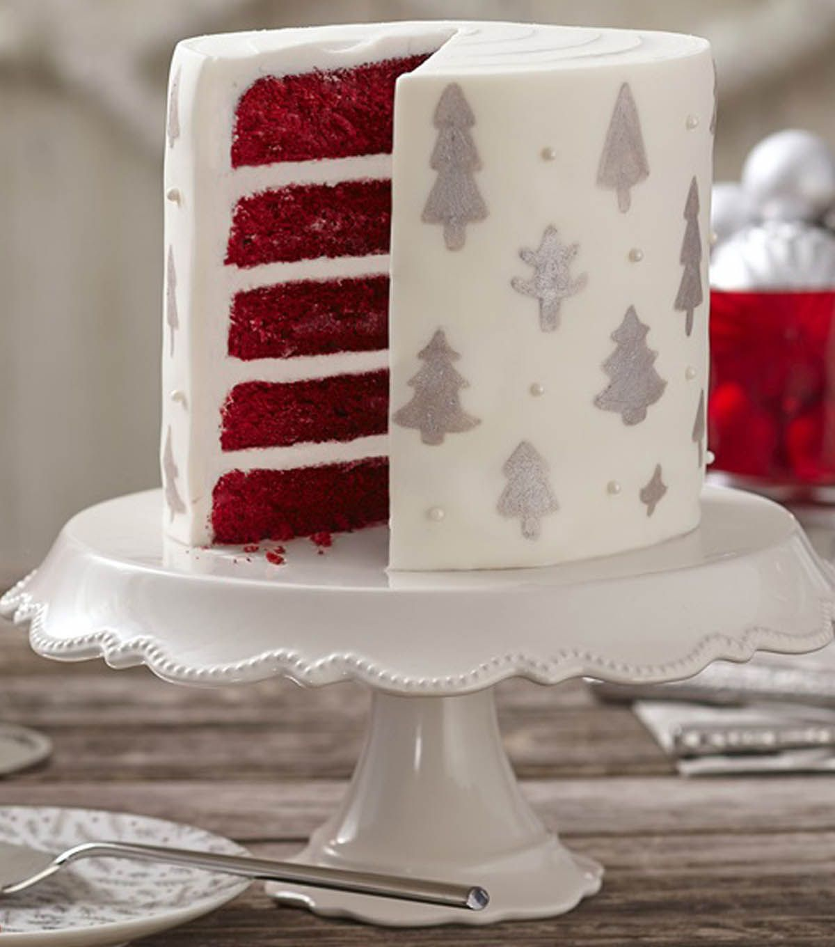 Learn How To Make A Silver Bells Christmas Tree Cake With Wilton