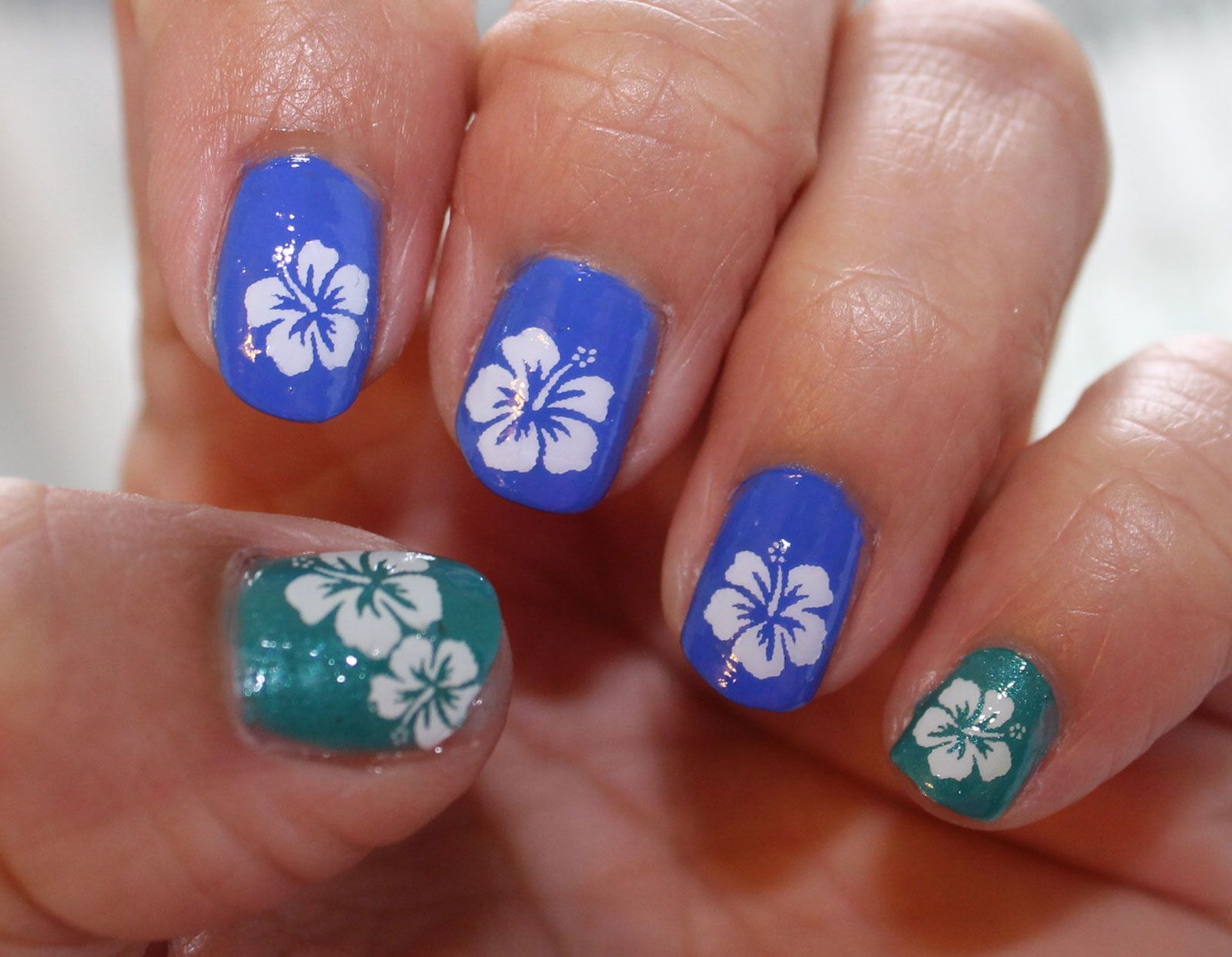 White Hibiscus Nail Art Blossoms Tropical Hbw Tropical Nail Art Hibiscus Nail Art Cherry Blossom Nails Art
