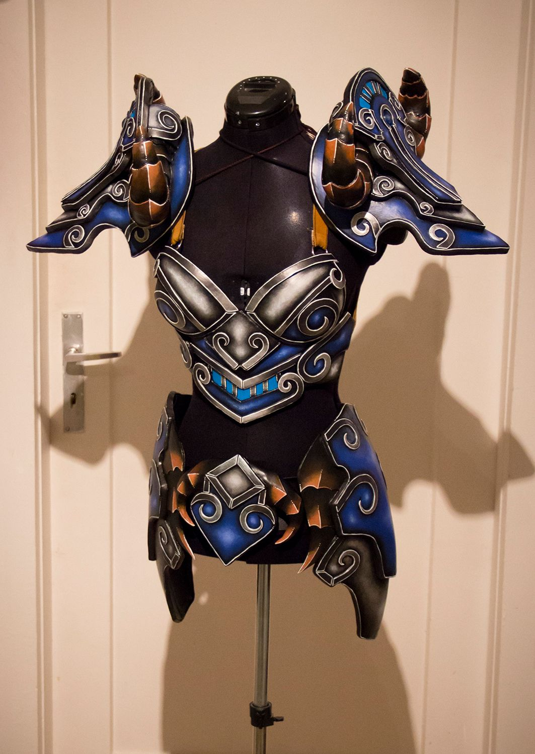 kamuicosplay: Do you also want to create ALL THE ARMOR? I ...