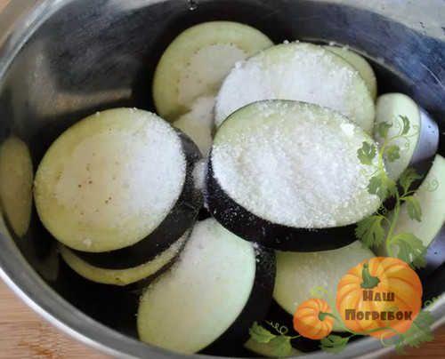 Вкусные рецепты салатов из баклажанов на зиму: простые ...