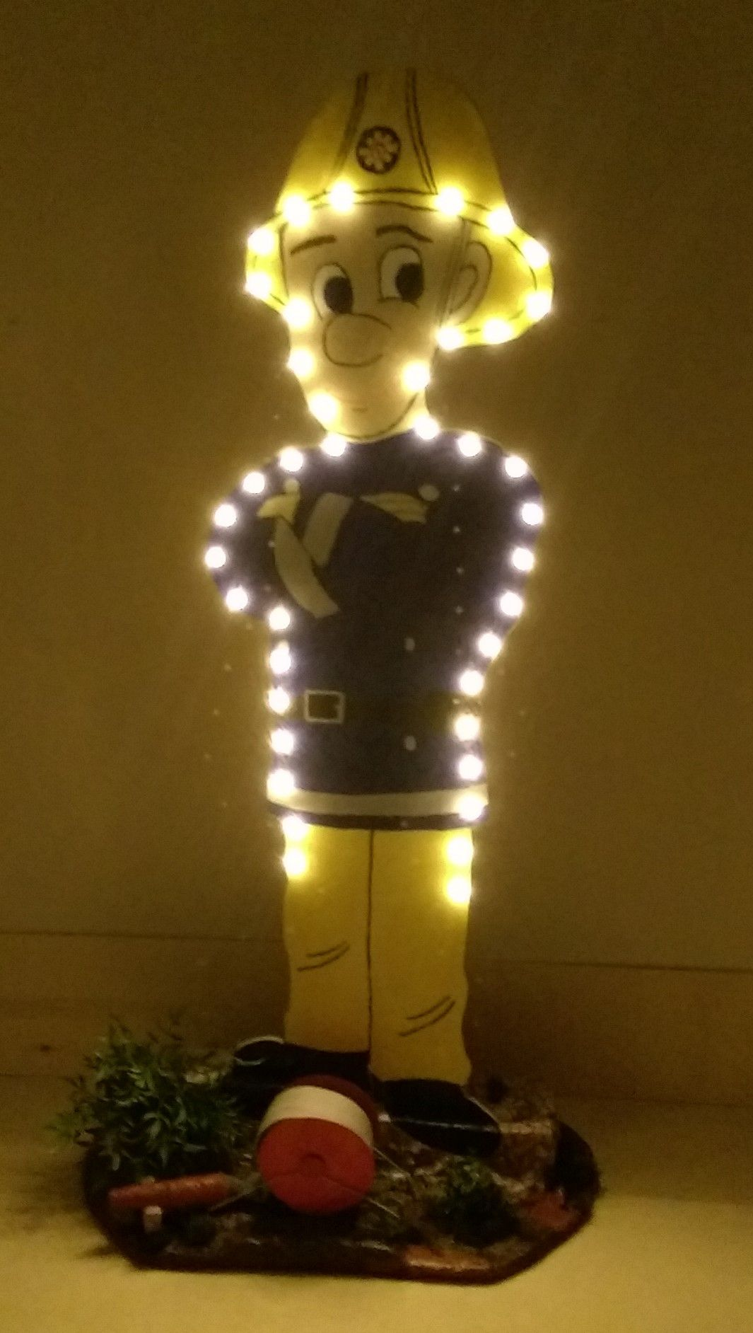 Feuerwehrmann Sam als Stehlampe | Lampen | Pinterest | Feuerwehrmann ...